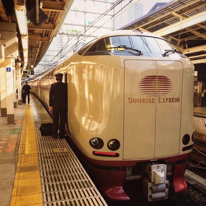 qponski vlak