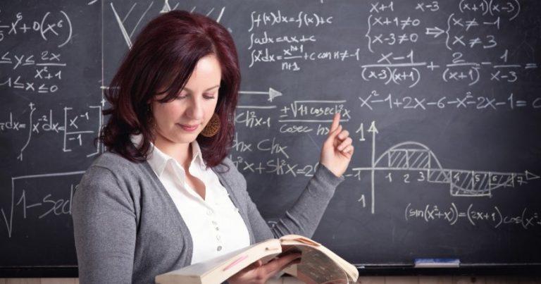 Учител сърцераздирателно: Уволнете учителите, излишни са! На държавата ѝ е изгодно да изкарва неграмотни хора