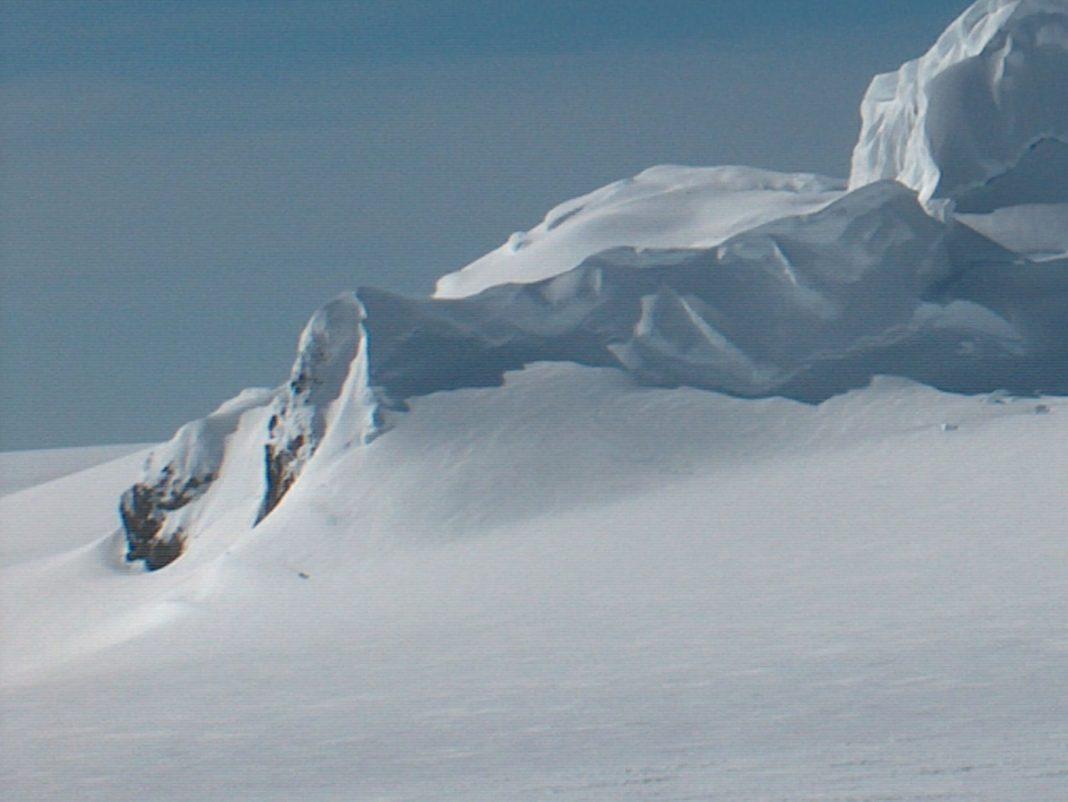 Chirpan Peak