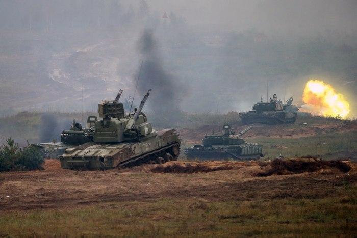 rusia uchenia tankove cr
