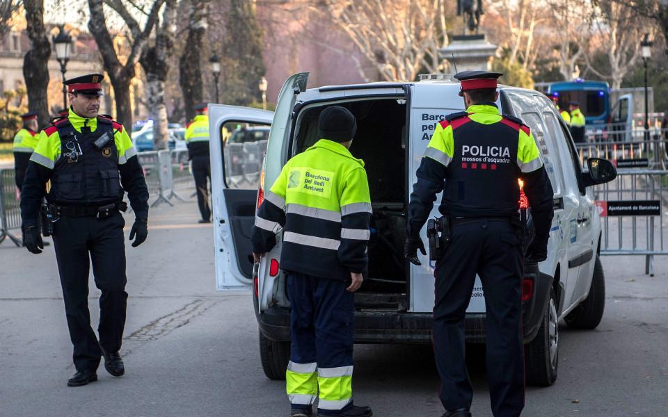 960 600 ispaniia policiia 2018 ianuari policai ispanska ispanski