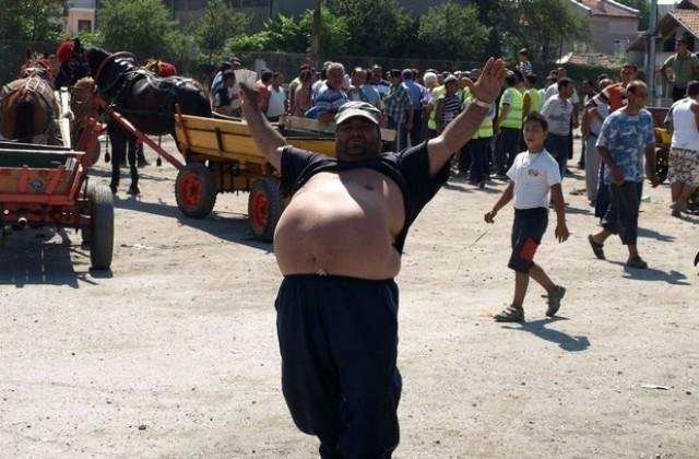 640 420 cigani vdignali banket v podkrepa na bratiata si v gyrmen