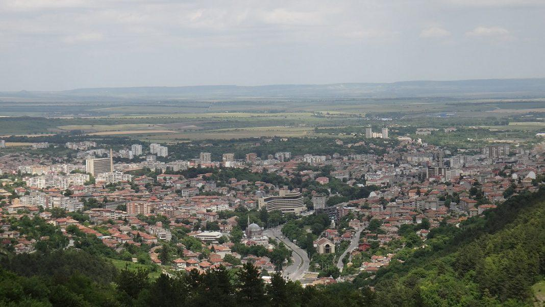 1200px Shumen Bulgaria panoramio 4