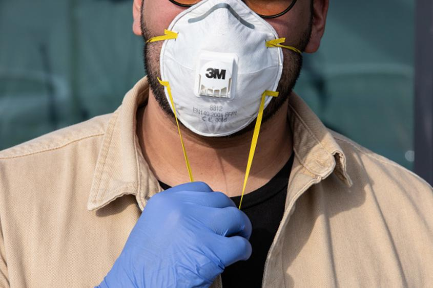 l coronavirus masks 2