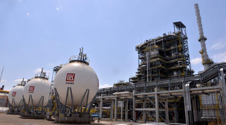 Швейцарци купиха Лукойл-Нефтохим-Бургас
