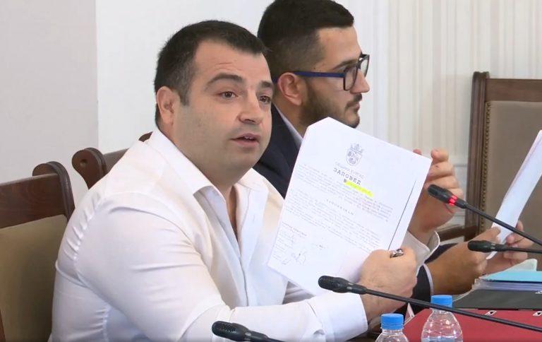 Бачийски показа доказателства за изчезването на 1100 дка публична собственост в Росенец