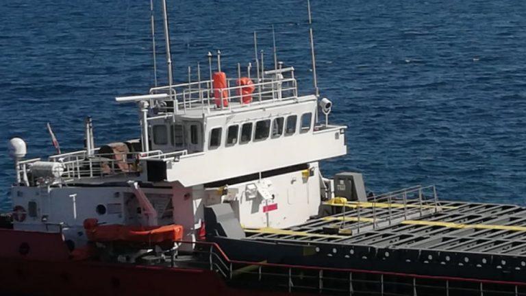 Плаващ кран във водите край Каварна